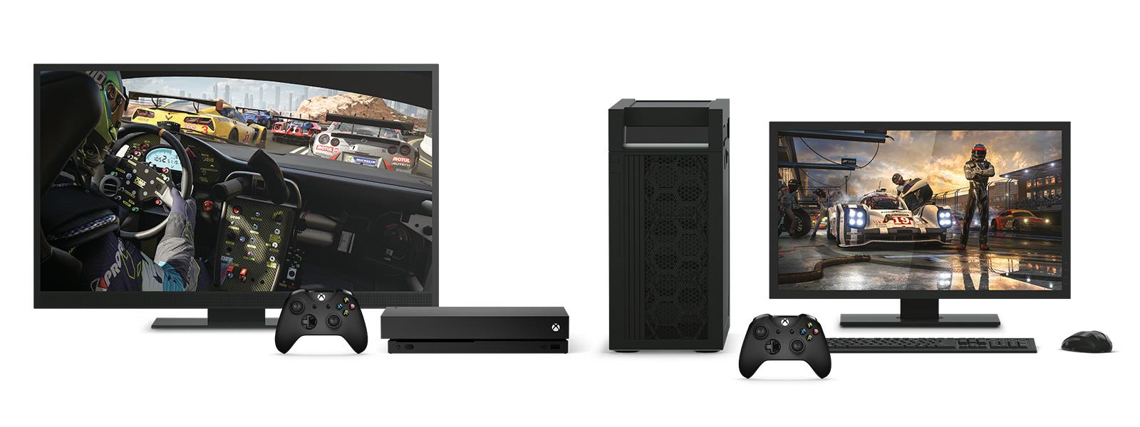 Egy Xbox One X konzol és egy 4K-s asztali gép a Forza Motorsport 7 képével egy tévén és egy számítógép képernyőjén