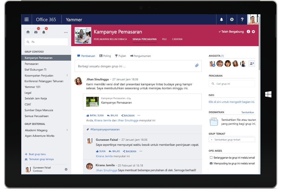 Tablet Surface menampilkan percakapan Yammer