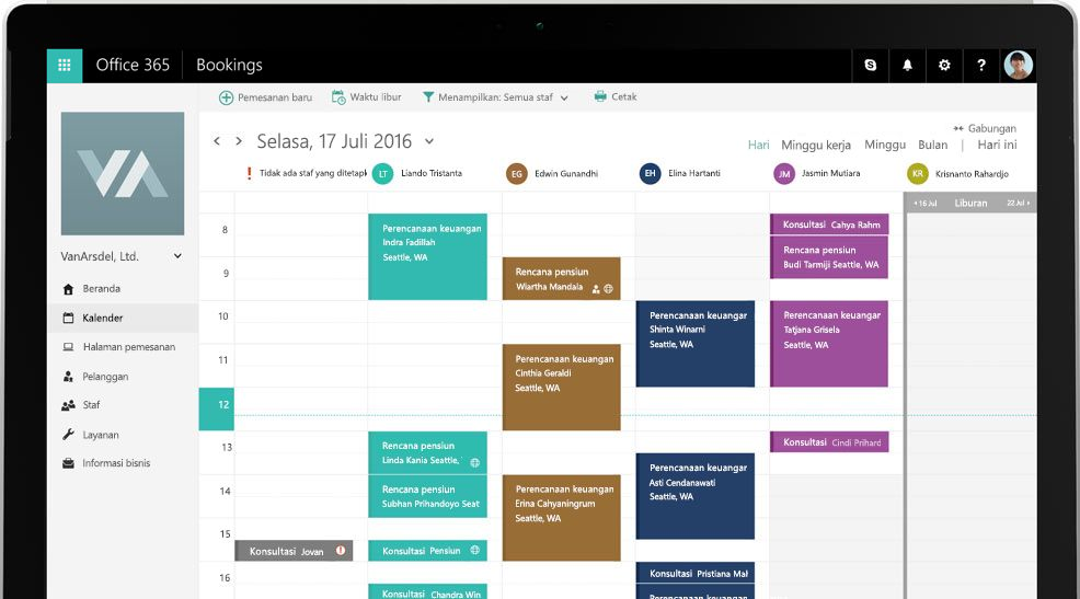 Tablet yang memperlihatkan alat kalender Office 365 Bookings.