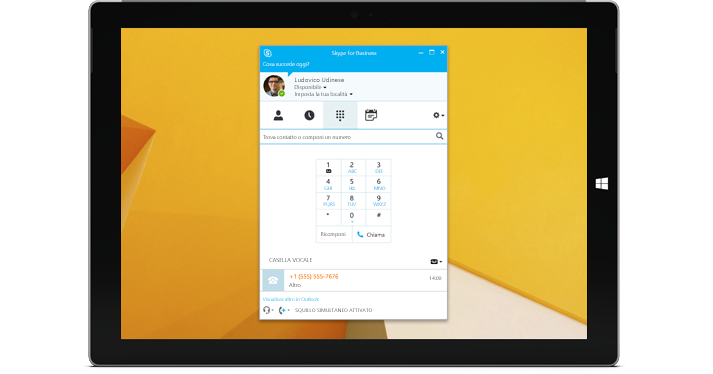 Tablet Windows con la visualizzazione di un tastierino numerico di Skype for Business.
