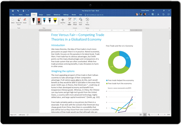 Animazione di Editor input penna usato in un documento di Word su un tablet Surface