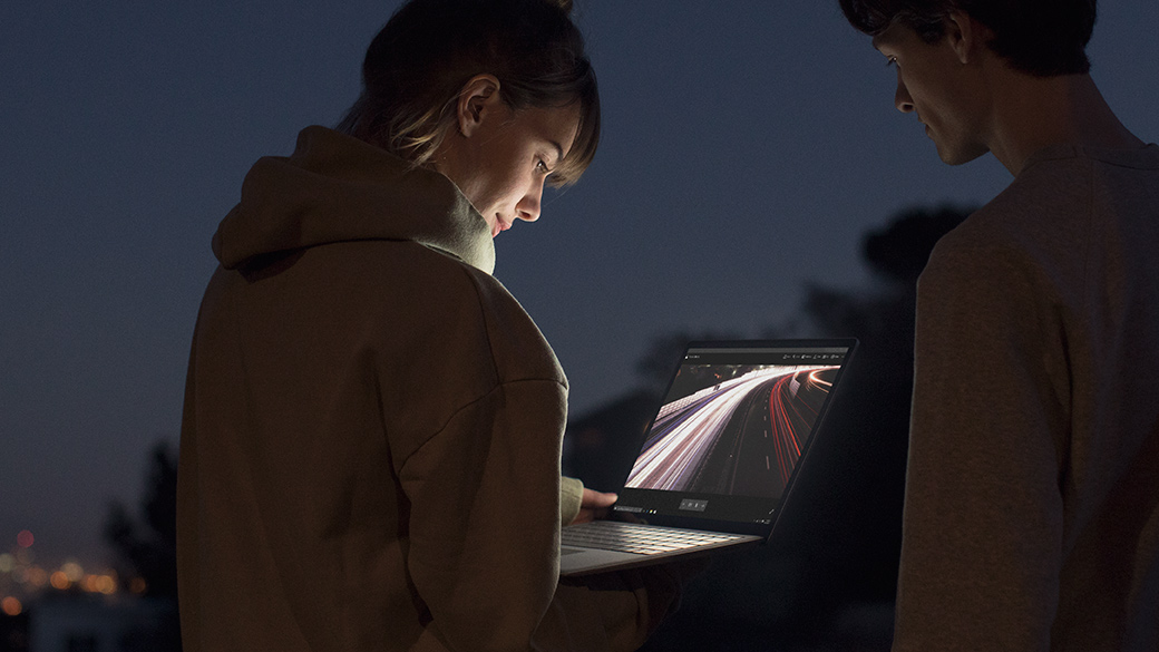 Presentazione di Surface Laptop.