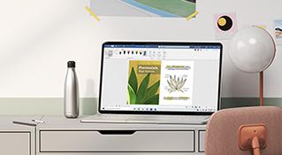 机の上に置いてある Windows 10 ノート PC