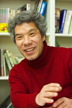 写真:玉川大学 ミツバチ科学研究センター 教授 中村 純 氏
