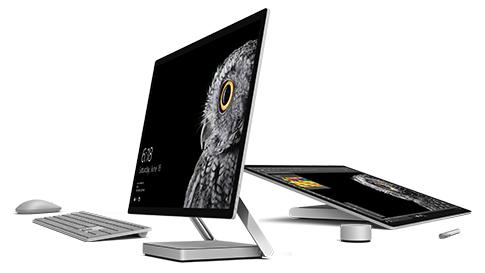 デスクトップ モードとスタジオ モードの Surface Studio。
