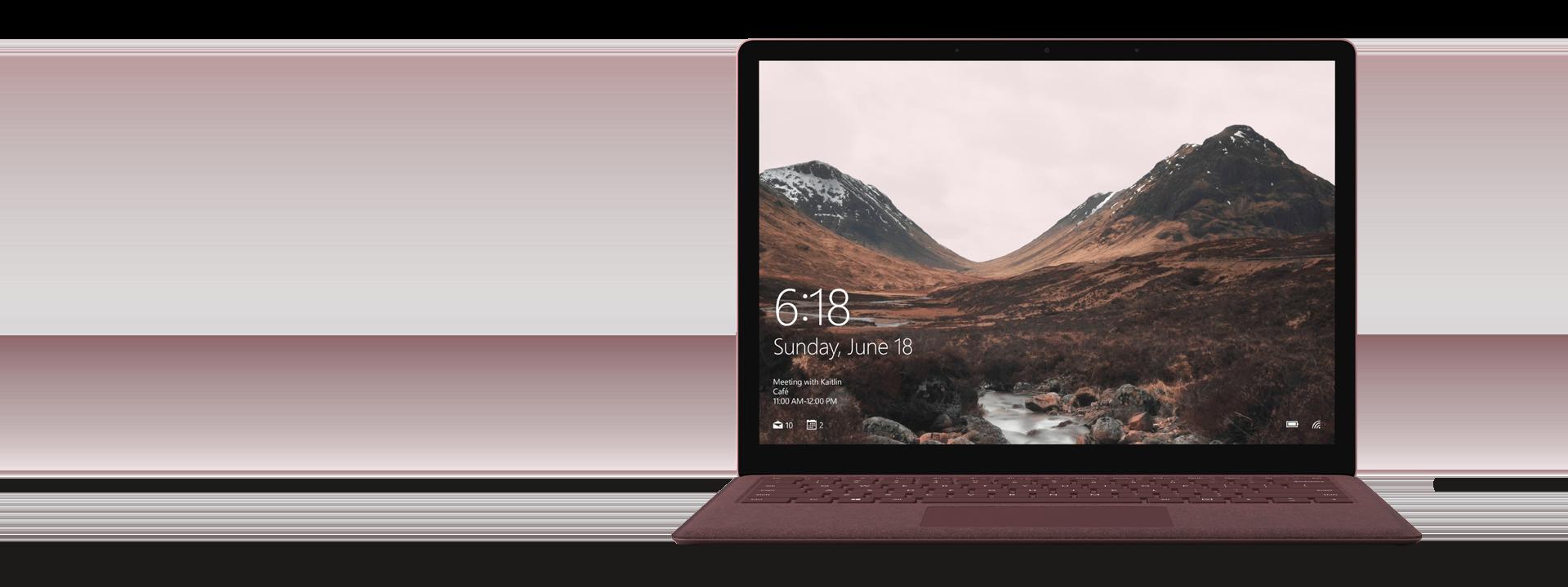 バーガンディの Surface Laptop