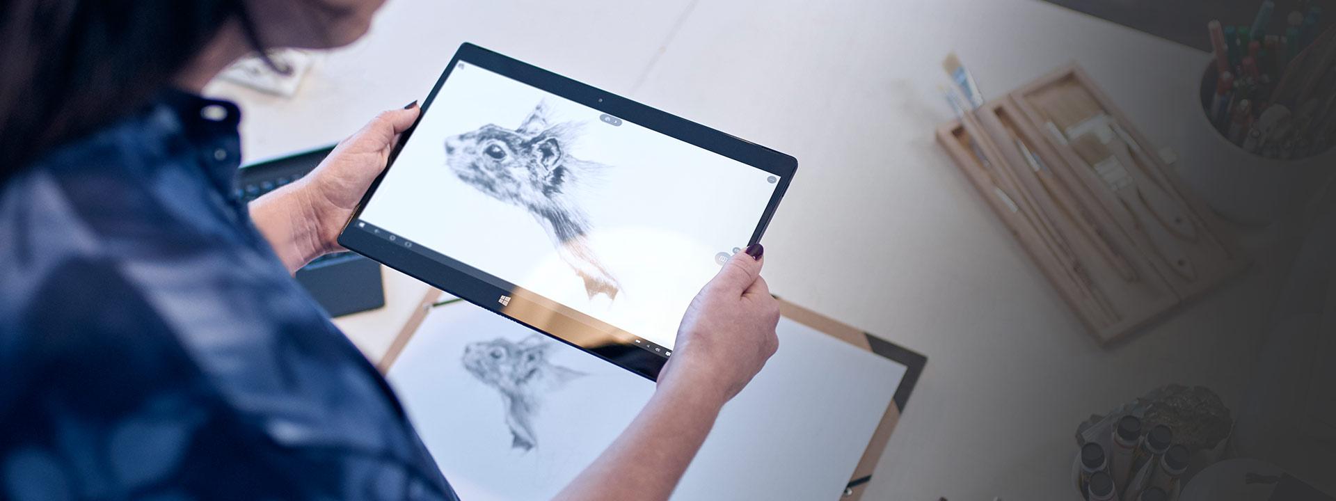 Lenovo Yoga 900 タブレットに表示された Windows Ink