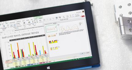 사용 중인 Office 365 비즈니스 인텔리전스 차트를 보여 주는 태블릿