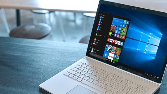 시작 메뉴가 표시된 Windows 10 PC