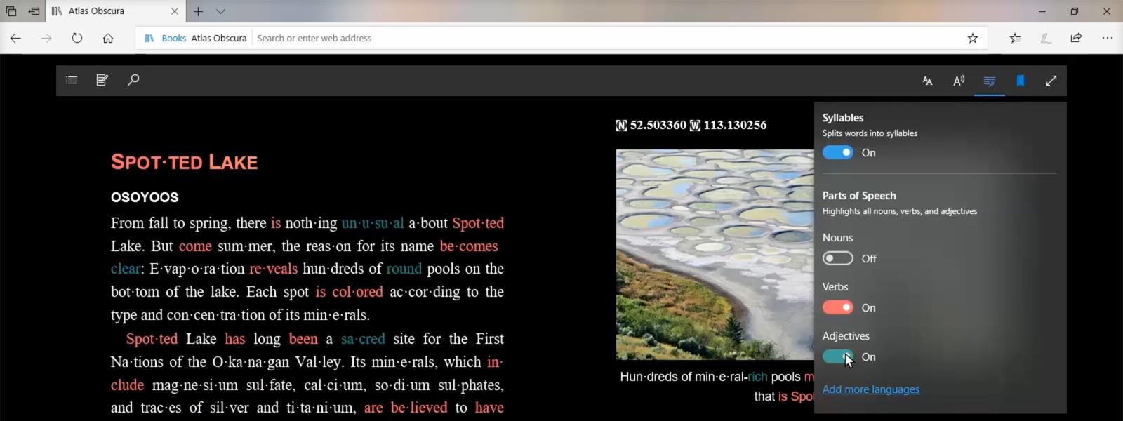Mokomųjų įrankių funkcijos ekrano vaizdas, kuriame matomi rodomame tinklalapyje paryškinti daiktavardžiai, veiksmažodžiai ir būdvardžiai
