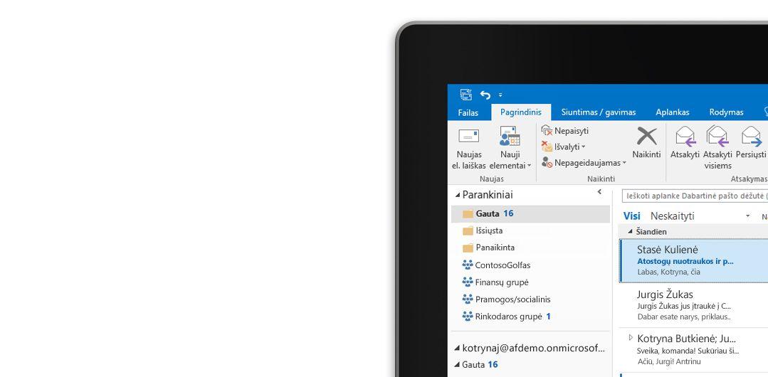 """Planšetinis kompiuteris, kuriame matomas """"Microsoft Outlook 2013"""" aplankas Gauta su laiškų sąrašu ir peržiūra."""