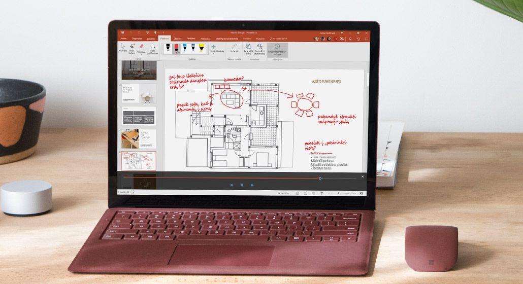 """Palaipsnio rankraščio rodymo priemonės žymėjimai architektūros brėžinyje, kuris rodomas """"Surface"""" planšetiniame kompiuteryje"""