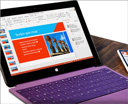 """Planšetinis kompiuteris, kuriame matomas """"PowerPoint"""" pateikties redagavimas vienu metu."""