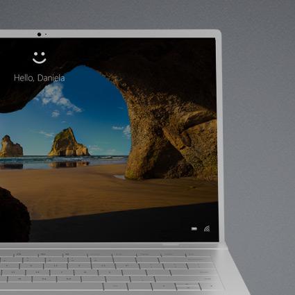 Windows10 dators, kurā tiek rādīts daļējs Hello bloķēšanas ekrāns