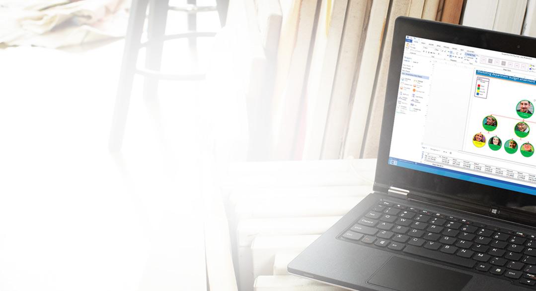 Klēpjdators, kurā redzama programma Visio Pro for Office365 darbībā.