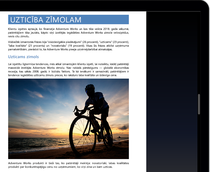 Planšetdatora vai klēpjdatora ekrāns, kur attēlots fokusa režīms programmā Microsoft Word