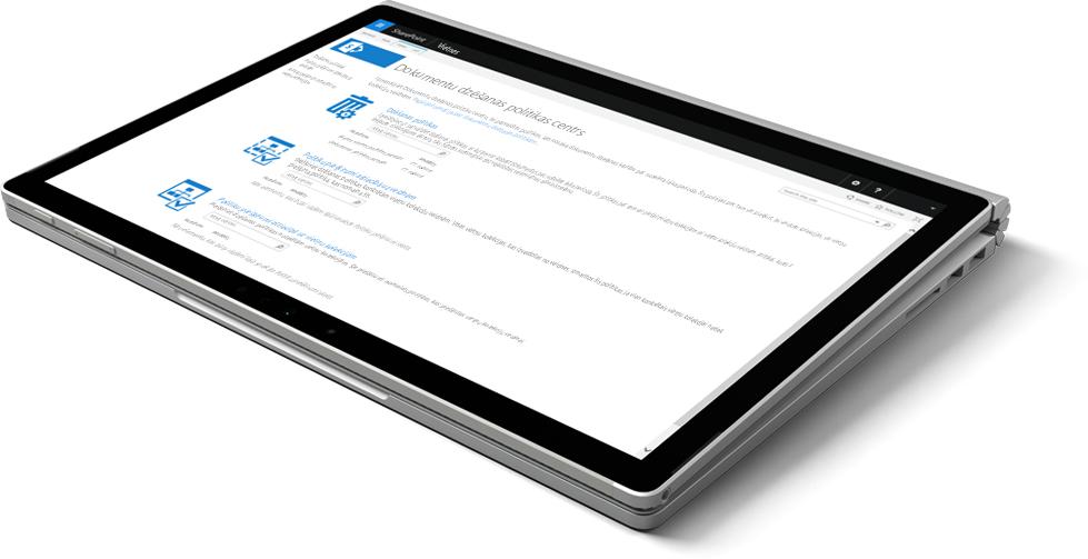 Klēpjdators, kura ekrānā redzams dokumentu dzēšanas politikas centrs pakalpojumā SharePoint.