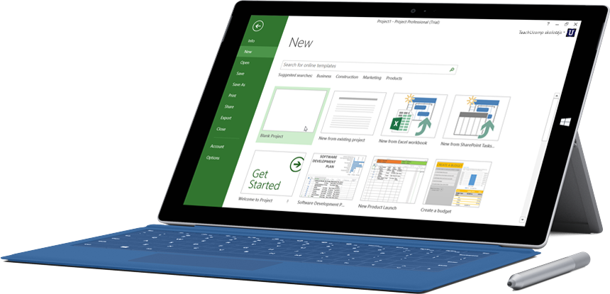Planšetdators Microsoft Surface, kurā redzams jauna projekta logs pakalpojumā Project Online Professional.