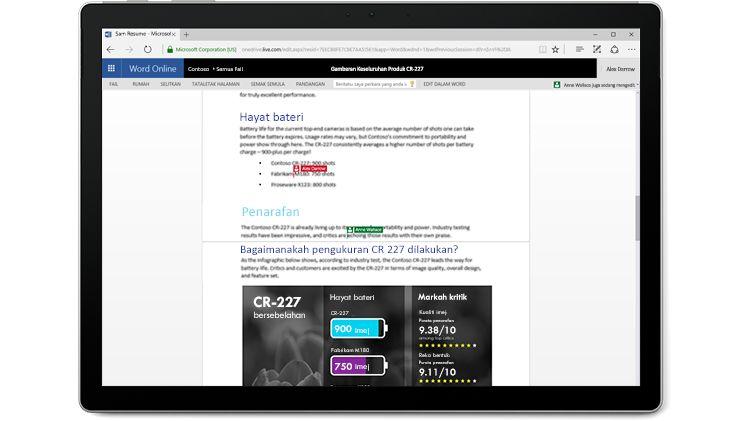 Petikan skrin berbilang pengarang mengedit dalam Word Online