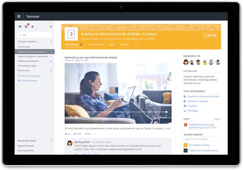 Et Surface-nettbrett som viser en Yammer-samtale mellom medlemmer i forskjellige team
