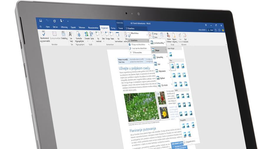 Et Surface-nettbrett som viser funksjonen Fortell meg det i et Word-dokument.