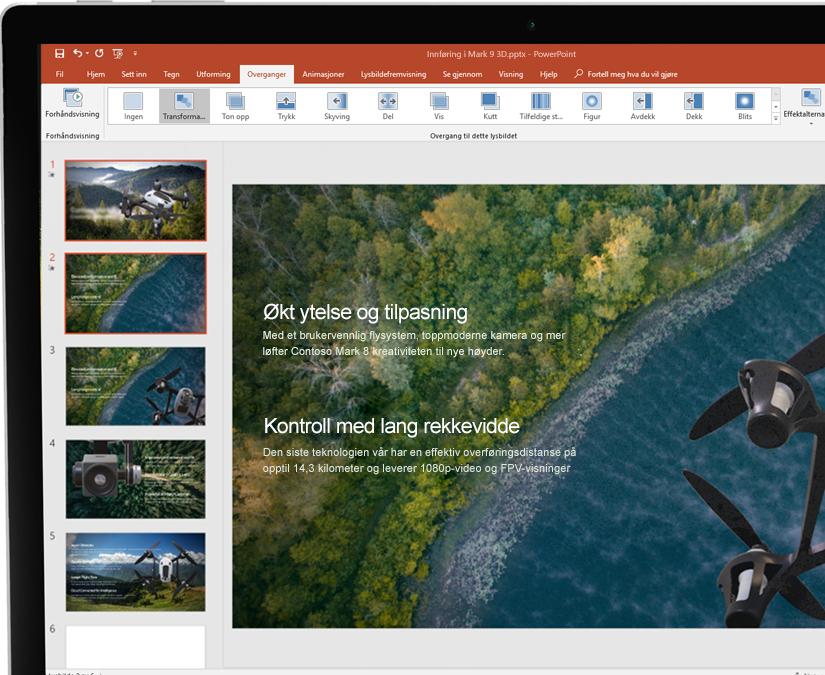 En skjermpenn ved siden av et nettbrett som viser en presentasjon i Microsoft PowerPoint