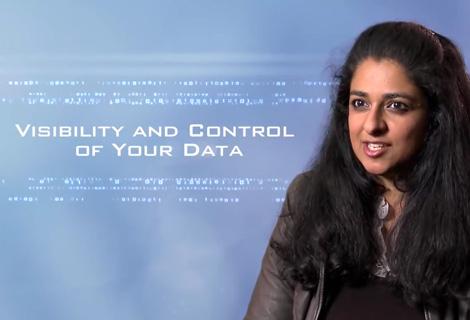 Kamal Janardhan laat zien hoe je eigenaar bent van je gegevens en hoe je bepaalt wat ermee gebeurt.
