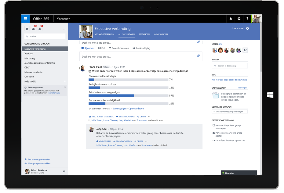 Een Surface-tablet met een Yammer-gesprek tussen leden van verschillende teams