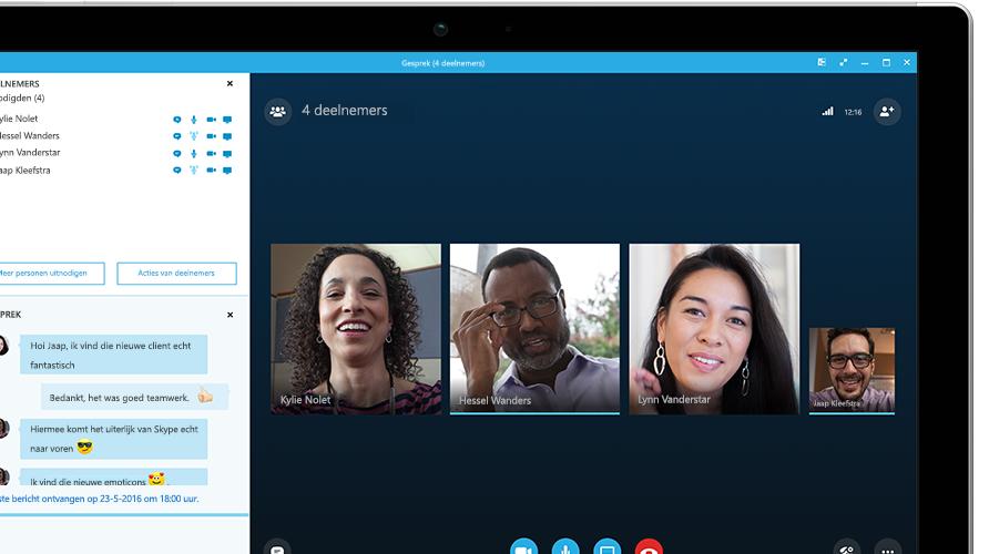 Surface-tablet waarop een Skype voor Bedrijven-vergadering te zien is