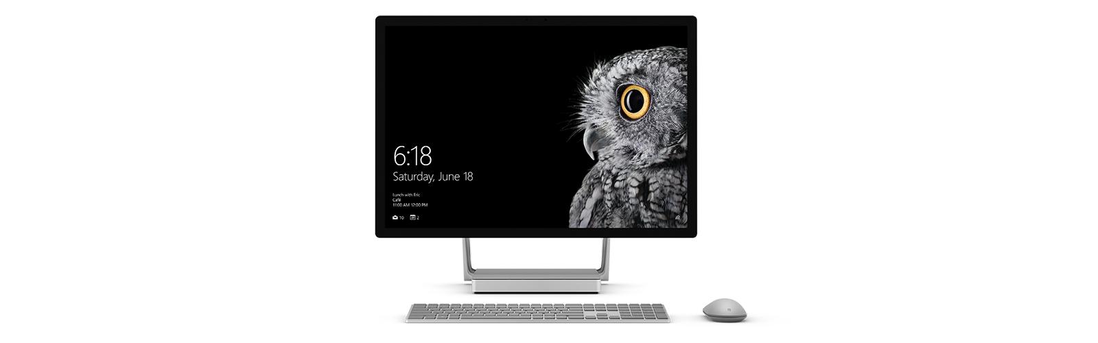Surface Studio in rechtopstaande positie, met Surface Mouse en Keyboard.