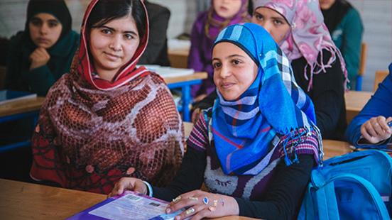 Meisjes in een klaslokaal