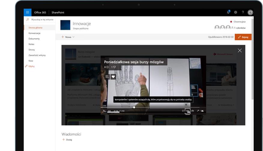 Urządzenie z uruchomionym programem SharePoint w usłudze Office 365 i odtwarzanym szkoleniowym klipem wideo