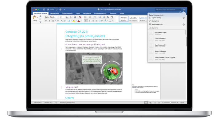 Komputer przenośny z wyświetlonym dokumentem programu Word z komentarzami i menu Opcje udostępniania.