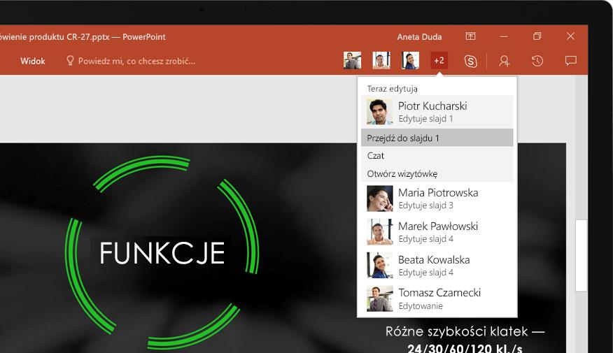 Komputer przenośny z widocznymi na ekranie slajdami prezentacji programu PowerPoint opracowanej przez zespół.