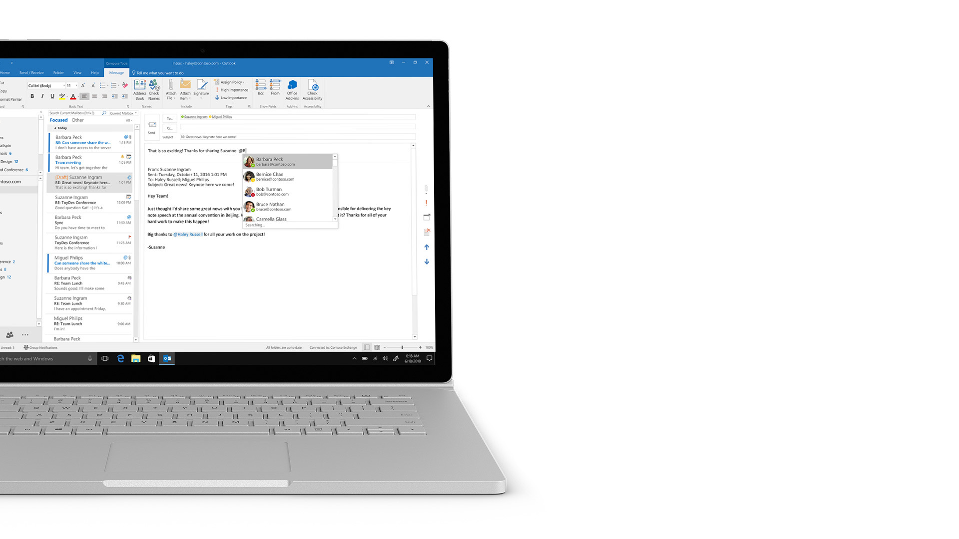 Zrzut ekranu programu Outlook na urządzeniu Surface.