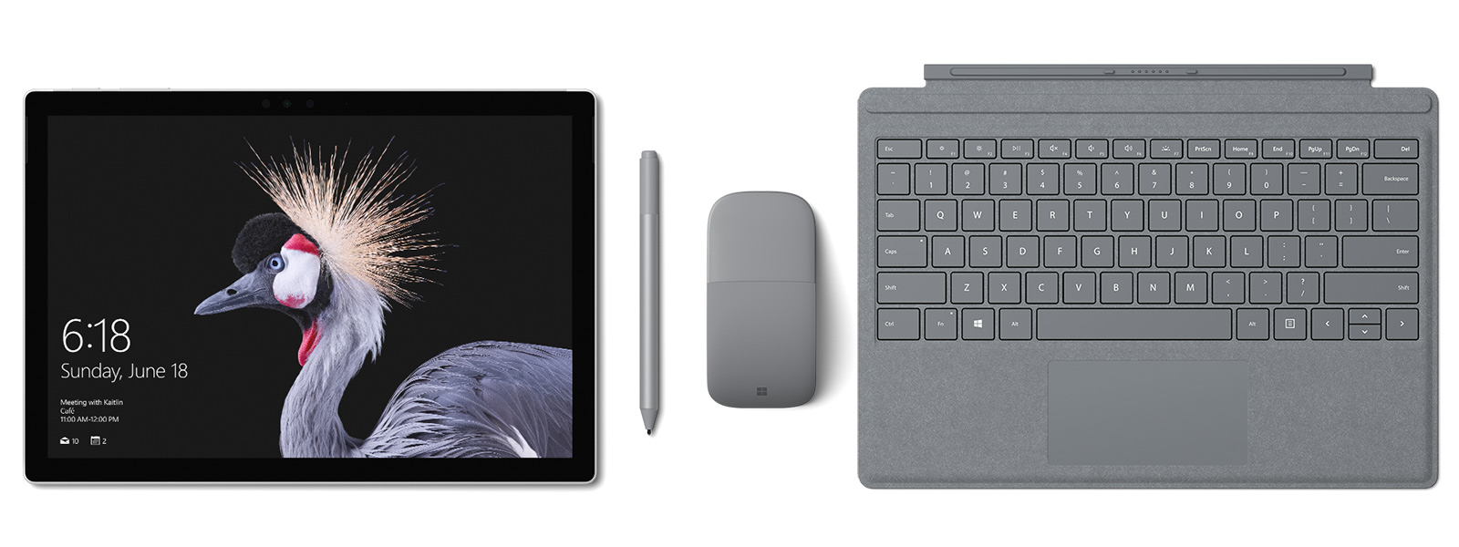Zdjęcie urządzenia Surface Pro z klawiaturą Signature Type Cover, piórem Surface i myszą Surface Arc Mouse w kolorze platynowym. W zestawie pióro Surface.