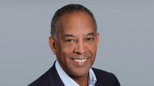 John W. Thompson, przewodniczący Zarządu