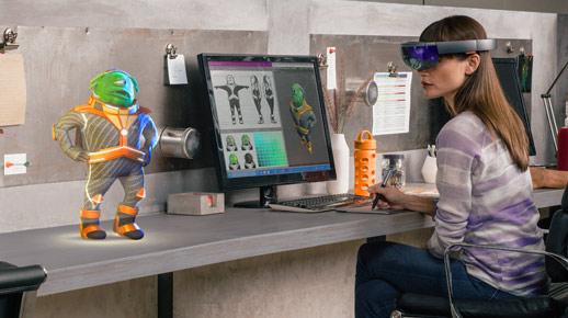 Kobieta korzystająca z urządzenia HoloLens