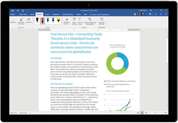 Editor por Tinta usado em um documento do Word em um tablet Surface