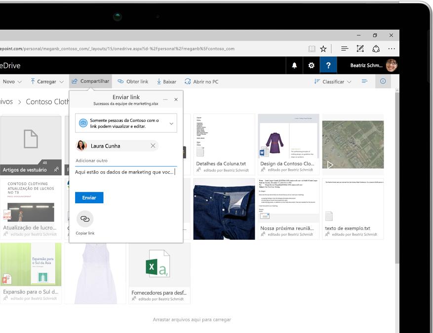arquivos exibidos no OneDrive em um computador tablet