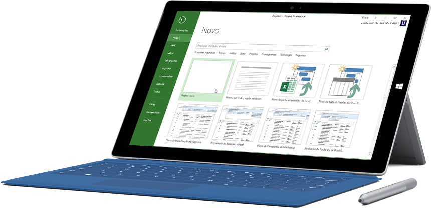 Tablet Microsoft Surface exibindo a tela Novo Projeto no Project Pro para Office 365.