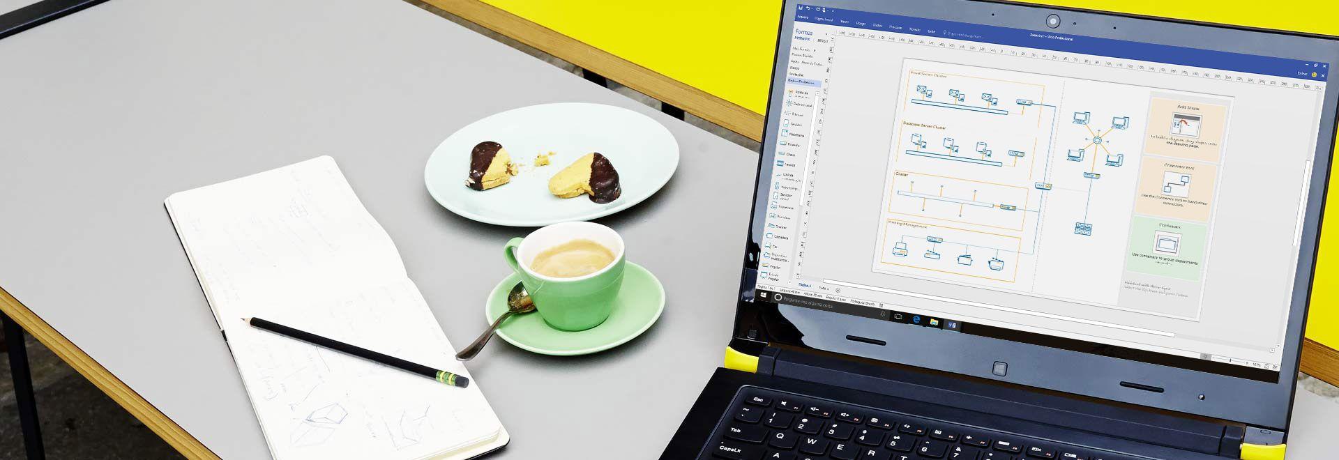 Close-up de um laptop em uma mesa, mostrando um diagrama do Visio com a faixa de opções de edição e o painel