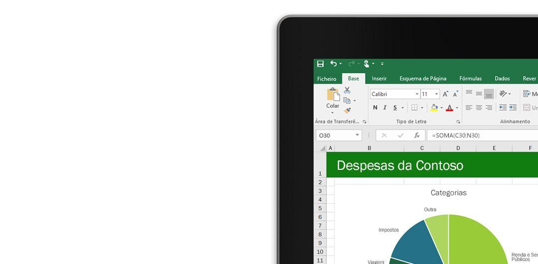 Um portátil a apresentar uma folha de cálculo do Microsoft Excel com um gráfico.