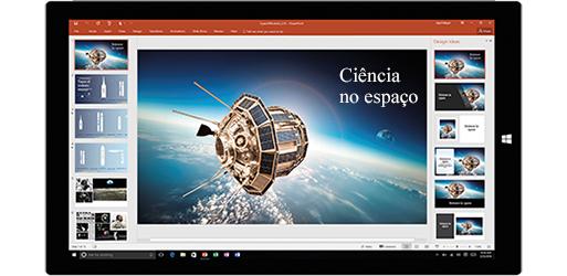 Um ecrã de tablet a mostrar uma apresentação sobre ciência no espaço, saiba mais sobre como pode criar documentos com as ferramentas do Office incorporadas