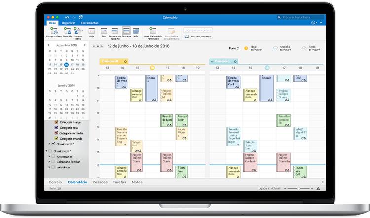 Um MacBook a apresentar calendários lado a lado no Outlook para Mac