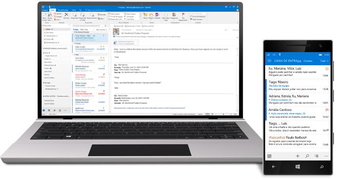 Um tablet e um smartphone a mostrar a pasta caixa de entrada de e-mails do Office 365.
