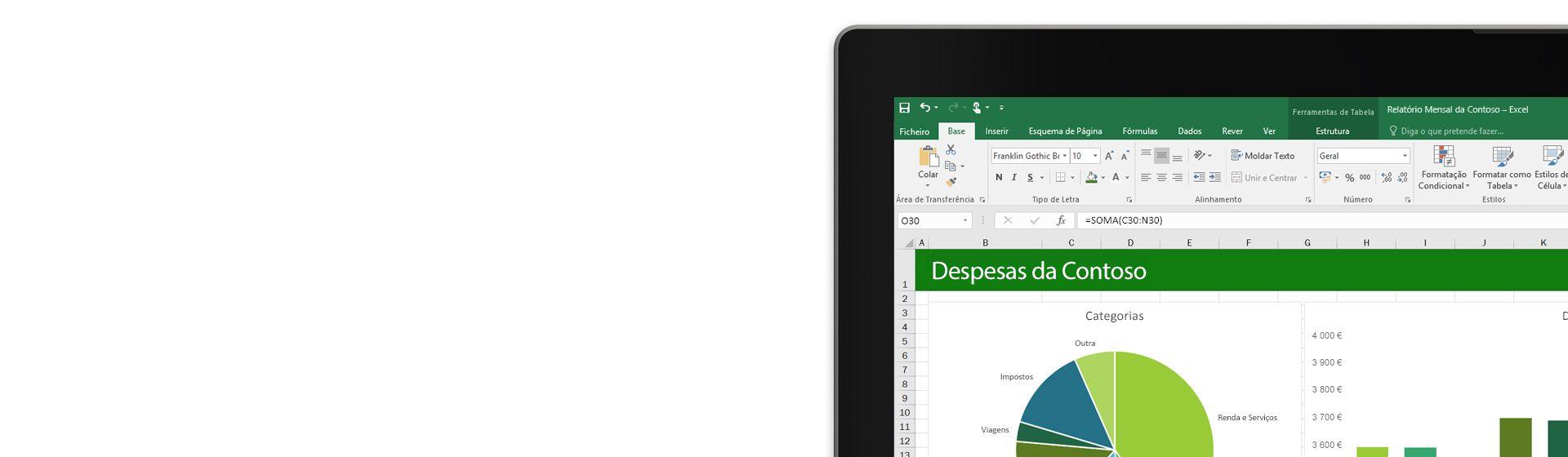 Um portátil a mostrar uma folha de cálculo do Microsoft Excel com um gráfico.