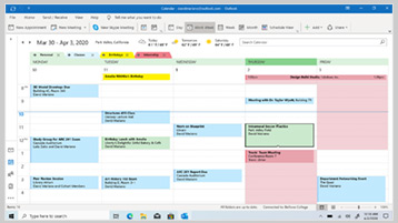 Calendar Outlook afișat pe ecran