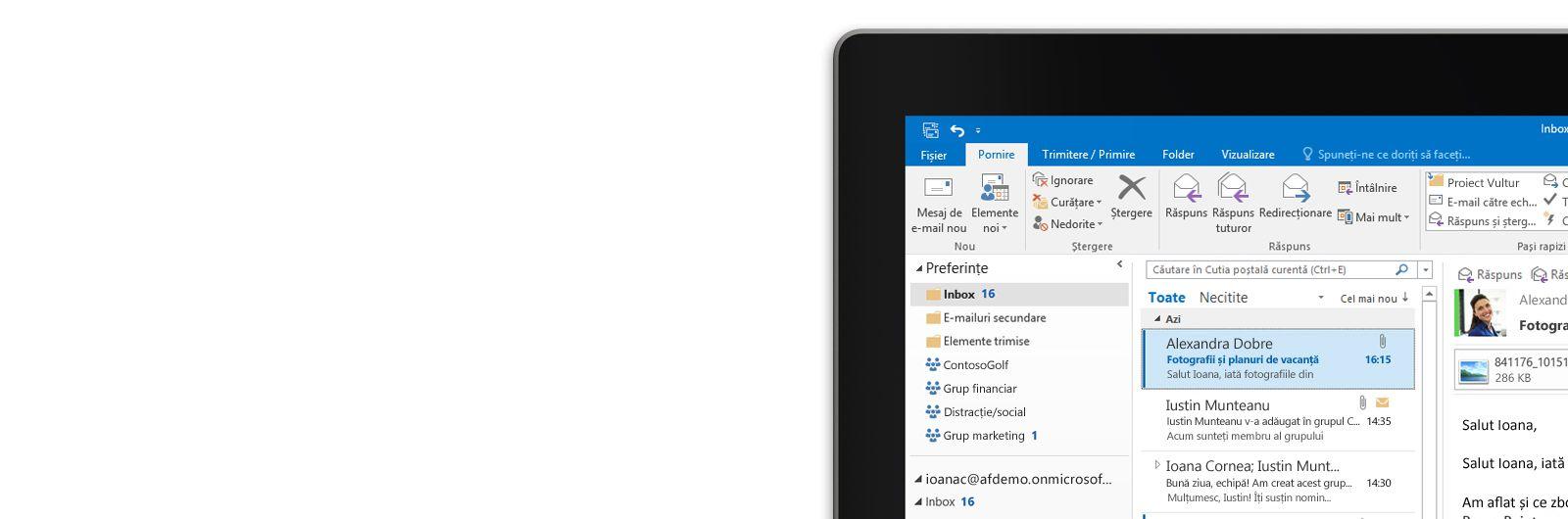 O tabletă ce afișează un inbox din Microsoft Outlook 2013, cu o listă de mesaje și o previzualizare a unui mesaj.