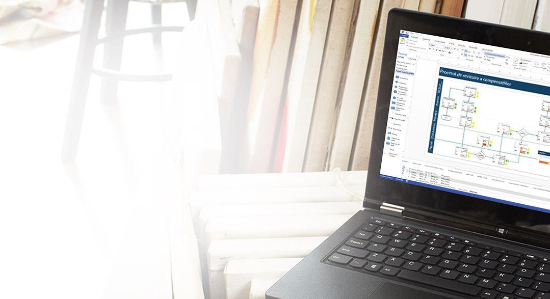 Un laptop afișând Visio Pro for Office 365 în curs de utilizare.